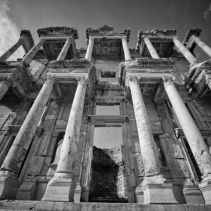 forum_square_bw